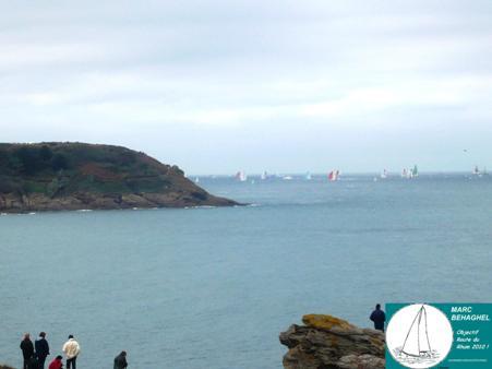 Dernière apparition des voiliers de cette Route du Rhum 2010 au détour de la Pointe du Meinga.