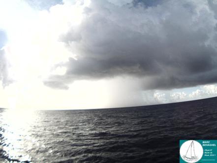 18 Novembre 2010, grain à l'horizon pour Marc. La météo est incertaine pour tous les concurrents de cette Route du Rhum.