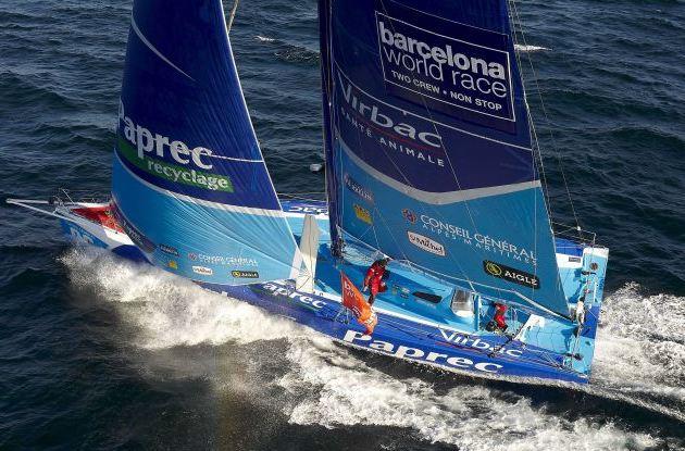 Jean-Pierre Dick et Loick Peron, l'équipage de Virbac Paprec 3, domine la Barcelona World Race 2011 au Sud de l'Australie.