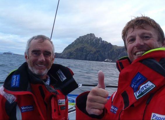 3 Mars 2011. Loick Peron et Jean-Pierre Dick peuvent sourire au passage du Cap Horn : ils sont encore en tête de la flotte de la Barcelona World Race et les tempètes de l'Océan Pacifique sont derrière eux.