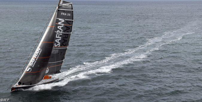 Safran, le 60 pieds IMOCA de la Trinité-sur-mer, voilier considéré comme la référence actuelle en IMOCA (plan VPLP-Verdier), skippé par Marc Guillemot, référence de la course au large.