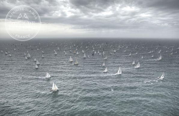Tour de Belle-Ile 2011, 7 mai. Départ des 486 équipages à 11h dans la baie de Quiberon.