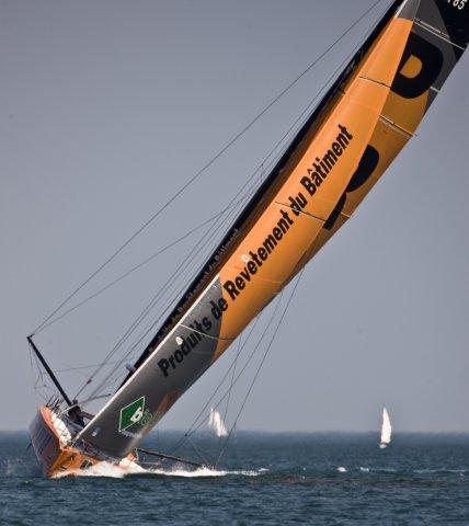 Vendredi 3 Juin, baie de Quiberon, arrivée de PRB, 2e monocoque 60 pieds IMOCA de l'Armen Race 2011.