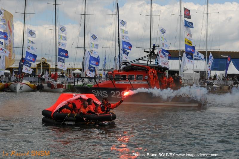 Comme l'an dernier, de nombreuses manifestations seront organisées dans le port de St-Nazaire pour sensibiliser le public sur l'action des bénévoles de la SNSM qui effectuent chaque année plusieurs milliers d'opérations de sauvetage.
